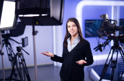 How to Become a Reporter, Correspondent, or Broadcast News Analyst