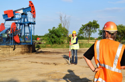 How to Become a Petroleum Engineer